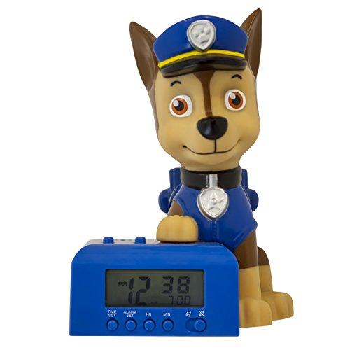 BulbBotz 2021302 Paw Patrol Chase Kinder-Wecker mit Nachtlicht und typischem Geräusch, blau/braun, Kunststoff, 14 cm hoch, LCD-Display, Junge/Mädchen, offiziell