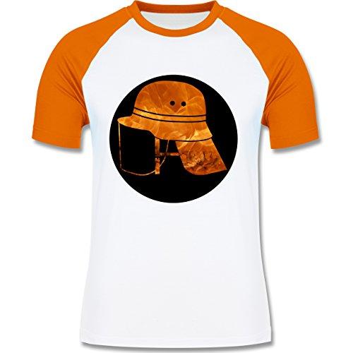 Feuerwehr - Feuerwehr Helm Flammen - zweifarbiges Baseballshirt für Männer Weiß/Orange