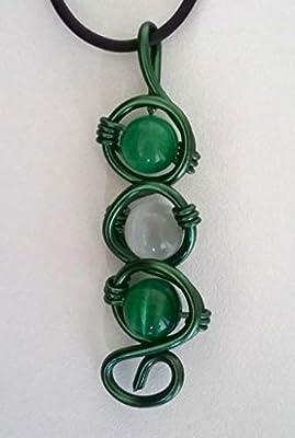 Pendentif fil aluminium ton vert