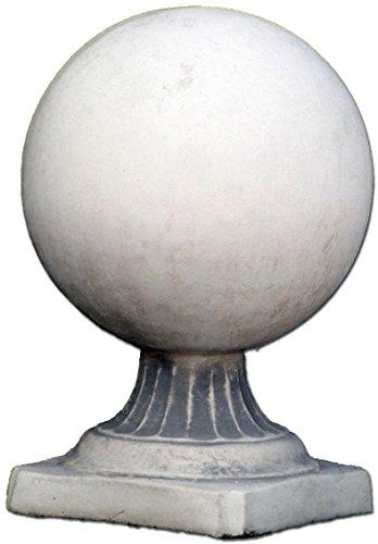 Schöne Kugel als Gartendeko Dekorationselement aus Steinguss, frostfest