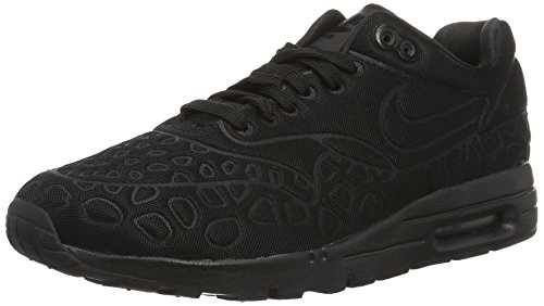 Nike Damen Air Max 1 Ultra Plush Sneakers, Schwarz