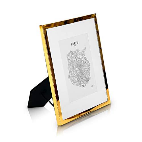 Elegance by Casa Chic Marco 20 x 25 cm Metal - Marco de Foto Elegante Galvánico - Frente de Cristal - con Paspartú para Fotos 13 x 18 cm Incluido - Grosor 1,5 cm - Oro Brillante