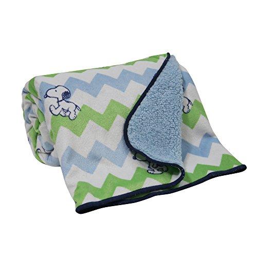 bedtime-originals-snoopy-chevron-blanket-velour-sherpa