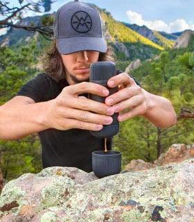Wacaco Nanopresso Tragbarer Espressokocher im Paket mit Nanopresso Schutztasche, Upgrade Version von Minipresso, 18 bar Druck, extra kleine Reisekaffeemaschine, manuell betrieben
