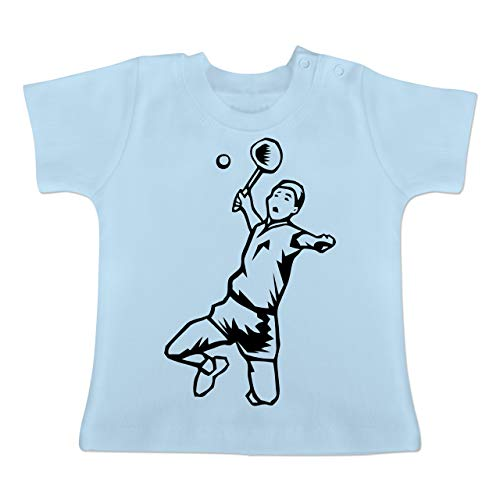 Sport Baby - Badminton Schmetterball - 6-12 Monate - Babyblau - BZ02 - Baby T-Shirt Kurzarm