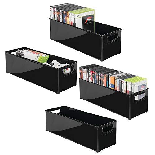 mDesign Juego de 4 Caja de almacenaje apilable para guardar DVDs – Sistema de almacenaje con asas para DVDs, CDs y videojuegos – Caja para DVD de plástico – negro