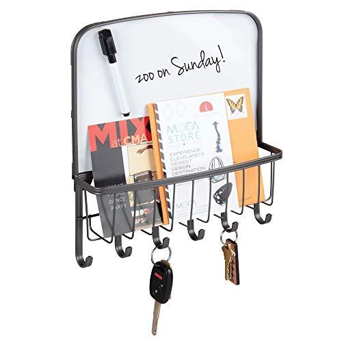 mDesign Organizador de llaves y cartas para la pared - Colgador de llaves con bandeja para el correo y folletos - Organizador de cartas con bandeja, 6 ganchos y pizarra para notas - gris grafito