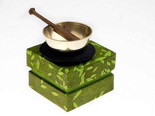 Mini Klangschale in grüner Geschenkbox, inklusiv schwarzer Unterlage sowie einem Holzklöppel -5123-L