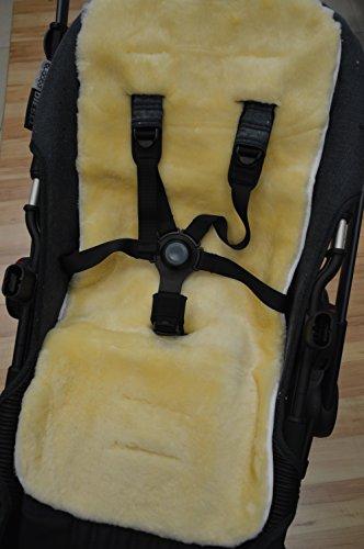 Lammfell-Einlage für Kinderwagen/Kindersitz 72cm x 33cm mit Öffnungen für Haltegurte