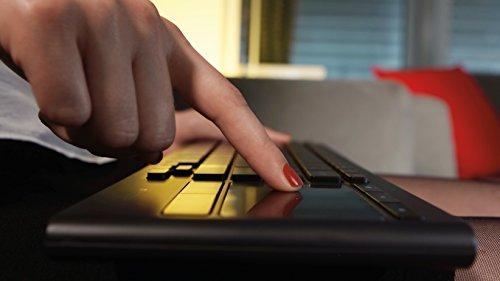 Logitech K830 kabellose, beleuchtete Wohnzimmer-Tastatur mit Touchpad schwarz