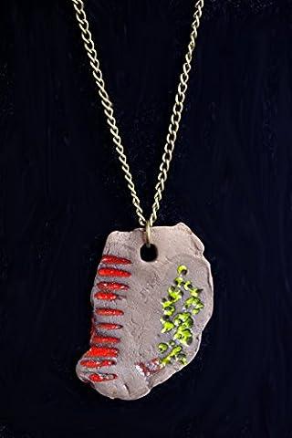 collier pendentif primitif femme ethnique céramique brute marron foncé terre cuite avec motifs gravés tribaux griffe rouge et mousse - cadeau marraine, tante, soeur, cousine, collègue, prof