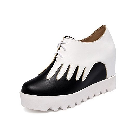 AllhqFashion Damen Pu Leder Gemischte Farbe Schnüren Rund Zehe Hoher Absatz Pumps Schuhe Weiß