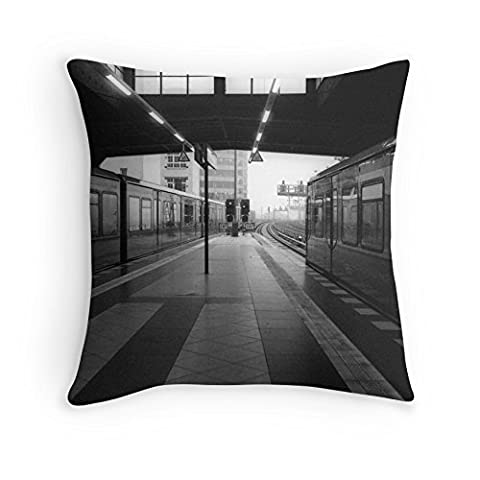 DSL&HXY Cities across the metro lkwu1904 Decorative Cotton Linen Blend Throw Pillow Cover Square Pillow Case Cushion Cover 18 x 18 Inches Griffith.MJ