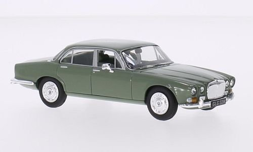 daimler-sovereign-series-1-42-vert-rhd-0-voiture-miniature-miniature-deja-montee-vanguards-143
