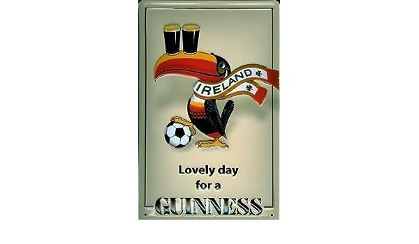 Guinness Football Fans Blechschild Schild 3D geprägt gewölbt Tin Sign 20 x 30 cm