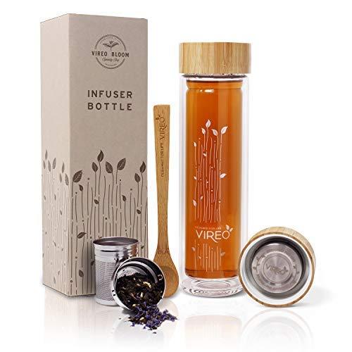 Vireo Bloom Teebereiter Doppelwandige Glas Teeflasche - Edelstahl Teesieb & Deckel - Umweltfreundliches & Plastikfreies Bambus Design - Tragetasche, Dosierlöffel - Sieb für Tee - 0.5L