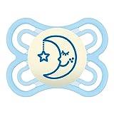 MAM Perfect Night 0-6 Schnuller, beugt Zahnfehlstellungen vor, besonders dünner & flexibler Silikonschnuller, leuchtet im Dunkeln, ab der Geburt, blau