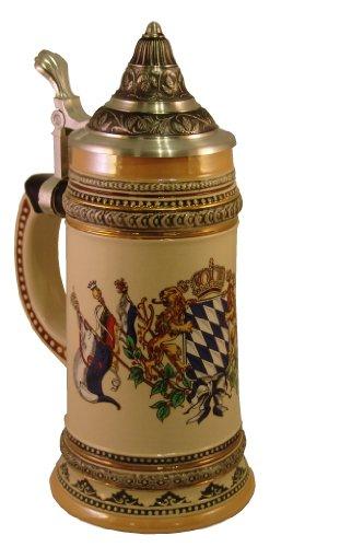 Bierkrug nach Gutsherrenart mit spitzem Zinndeckel und bayerischem Wappenbild