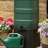 Regentonne mit 100 Liter im Garten 2