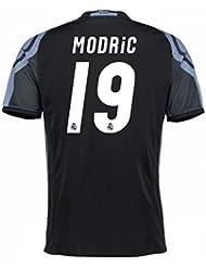 2016-17 Real Madrid 3rd Shirt (Modric 19)