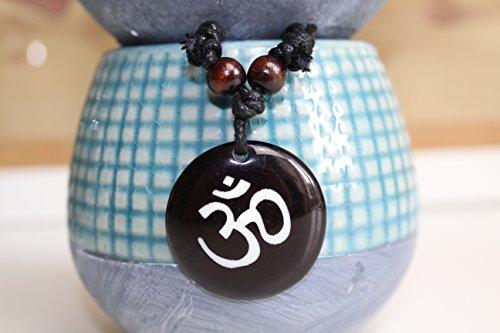 Zoom IMG-2 collana gioiello om sanscrito ciondolo