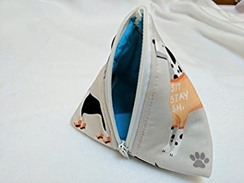 Dog Design Mini Pouch Bag - Zip up Purse. Handmade zip up triangular purse made using a lovely dog print on a light grey/taupe background. Perfect to carry small amounts of money / cosmetic items (lipstick, eyeshadow) / keys etc, lots of people buy these to carry dog treats or as a dispenser for dog poop bags as it easily attaches to dogs lead - The mini pouch bag comes with a metal Carabiner clip