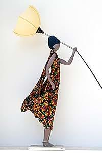 skitso design luxus lampe figur vanesa stehlampe mit schirm frau m dchen stehleuchte amazon. Black Bedroom Furniture Sets. Home Design Ideas