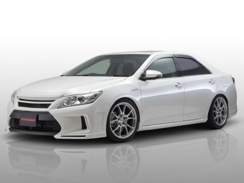classic-and-muscle-car-ads-and-car-art-toyota-camry-hybrid-di-asukajapan-2013-car-art-poster-stampa-