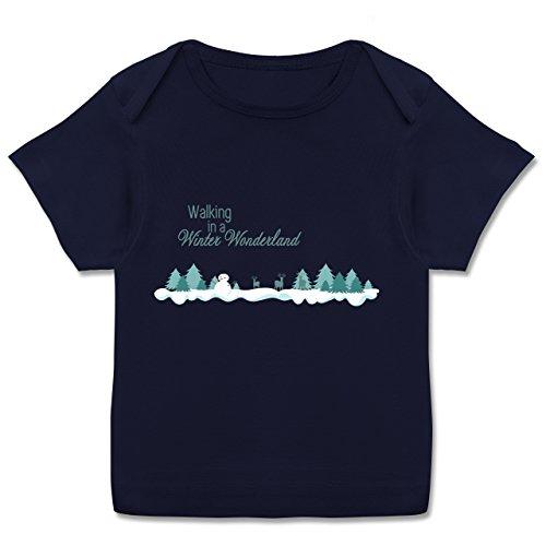 Weihnachten Baby - Walking in a Winter Wonderland Schnee - 56-62 (2-3 Monate) - Navy Blau - E110B - Kurzarm Baby-Shirt für Jungen und Mädchen