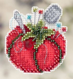 Tomato Pincushion Beaded Counted Cross Stitch Ornament Kit Mill Hill 2012 Spring Bouquet MH-182104 by Mill Hill (Mill Hill Ornamente)