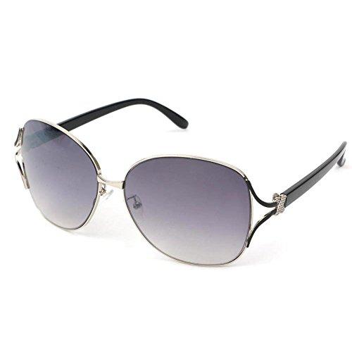 Lunettes de soleil Fashion Designer Vintage classique Chic Eyewear VOX femmes – Cadre noir et clair – Lentille fumée oJVRTCQ7t
