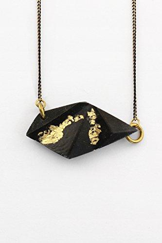 olivine-collier-court-chaine-ajustable-faits-main-metal-laiton-noirci-anti-allergene-couleur-noir-et