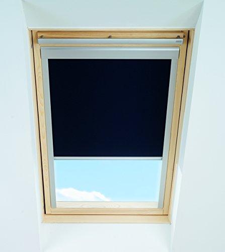 store-occultant-bleu-fonce-pour-fenetre-de-toit-velux