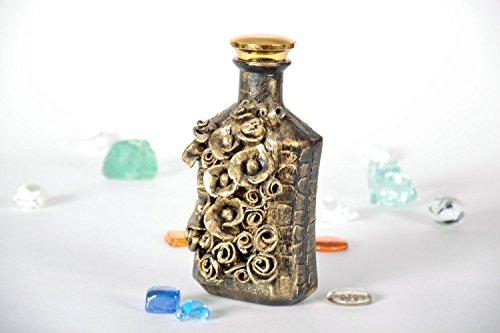 bouteille-en-verre-decorative-a-la-coquille-doeuf