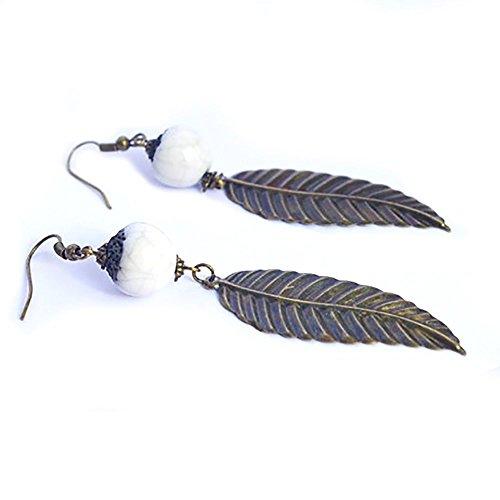 boucle-doreille-longue-feuille-bronze-metal-bijou-foret-bijoux-nature-woodland-perle-blanche-raku-ce