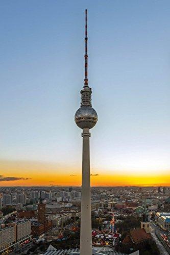 1art1 82425 Berlin – Der Fernsehturm Bei Sonnenaufgang Poster 91 x 61 cm