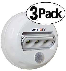 Veilleuse multidirectionnelle à LED Ivation 3 à détection automatique de mouvement – Lampe pour couloir alimentée par piles avec détecteurs de mouvement et de lumière intégrés