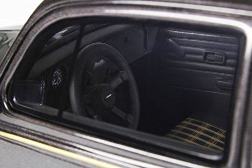 ottomobile-118-volkswagen-vw-kafer-1200-okrasa-oettinger-1984-limitation-3000-black-gold-ot155