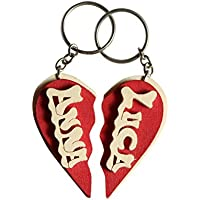 Portachiavi in legno personalizzato a cuore spezzato con nome o data, fatto a mano, da indossare o per fare un regalo originale.
