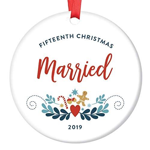 DKISEE Dekoelement zum 15. Weihnachtsverheirateten Meilenstein 15 Jahre Hochzeitstag Feier Geschenk Gay Ehe Fifteenth Together Fröhliche Lebkuchen Ornament 7,6 cm Kreis Keramik Ornament Andenken