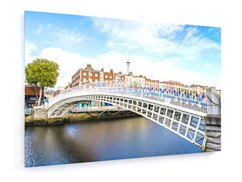 Aitor Muñoz Muñoz - Blick auf Halfpenny-Brücke über Liffey-Fluss in Dublin, Irland - 60x40 cm - Leinwandbild auf Keilrahmen - Wand-Bild - Kunst, Gemälde, Foto, Bild auf Leinwand - Städte & Reise (Irische Bilder)