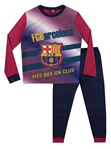 """Pijamas para niños del Barcelona F.C. ¡Todos los fanáticos del Barça amarán llevar este hermoso set a todas horas! Viene con el logo del querido equipo al frente del top y su eslogan """"Mes que un club"""", haciéndola la mejor opción para la hora de dormi..."""