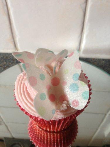 (15 vorgeschnittenen Pastell Polka dot essbare Schmetterling-Kuchen-Deckel-Dekorationen)