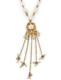 Vintage-inspirierter floraler Muschel-Anhänger mit Charms an perlenbesetzter goldfarbener Kette