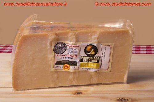 Parmigiano Reggiano Extra, mind.60 Monate gereift, im Stück, vakuumiert