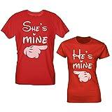 T-Shirt San Valentino - She's Mine He's Mine - Lui è Mio Lei è Mia - ragalo per Coppie di Innamorati Stile Cartoon - Choose Ur Color Rosso Uomo L