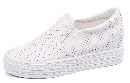 Aisun Femme Mode Slip On Basses Perforées Respirant Compensées Baskets Blanc