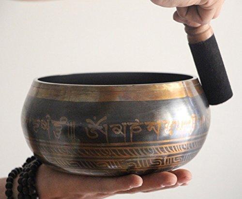 Tibétain Chantant 750g 14,5cm méditation OM MANI Bol chantant Vibration martelé à la main métal Singing Bowl Set de Népal pour méditation, yoga et à la prière Guérison