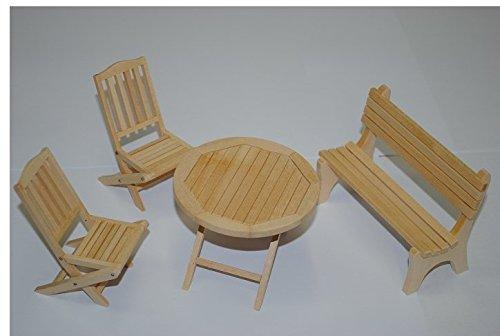 Set : Gartenmöbel 2 Stühle , Bank und 1 Tisch Holz Möbel Set Nostalgie beige - Maßstab 1:12 - Puppenstube / Puppenhaus - Küchenmöbel - Wohnzimmermöbel - Gartenmöbel Gartenbank