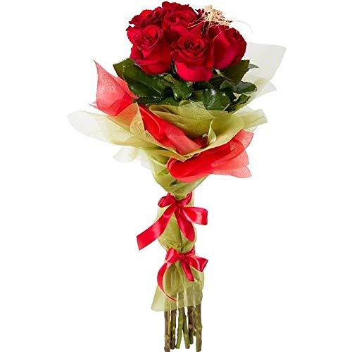 Fiori freschi a domicilio - fascio compatto con 7 rose rosse fresche a stelo lungo confezionato con accessori, verde di stagione e nastrini decorativi sugli steli, consegnato a domicilio